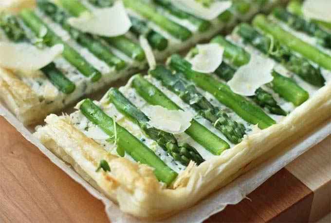 Asparagus tart by The Petite Cook