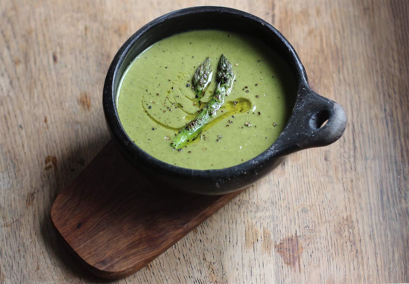 Asparagus pea soup - Harriet Emily