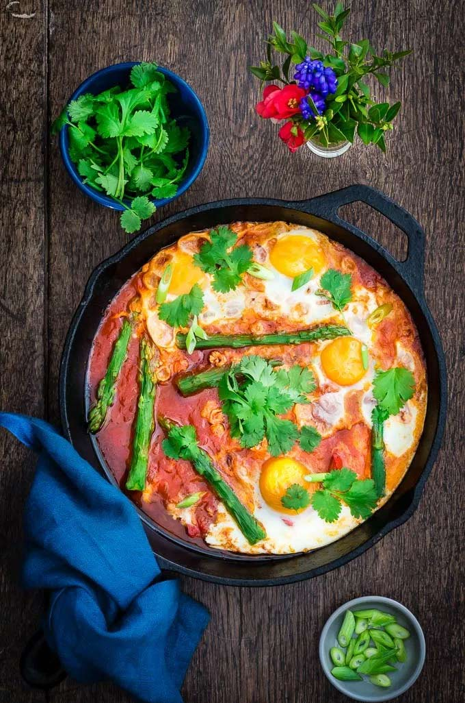 Asparagus shakshuka - Recipes from a Pantry