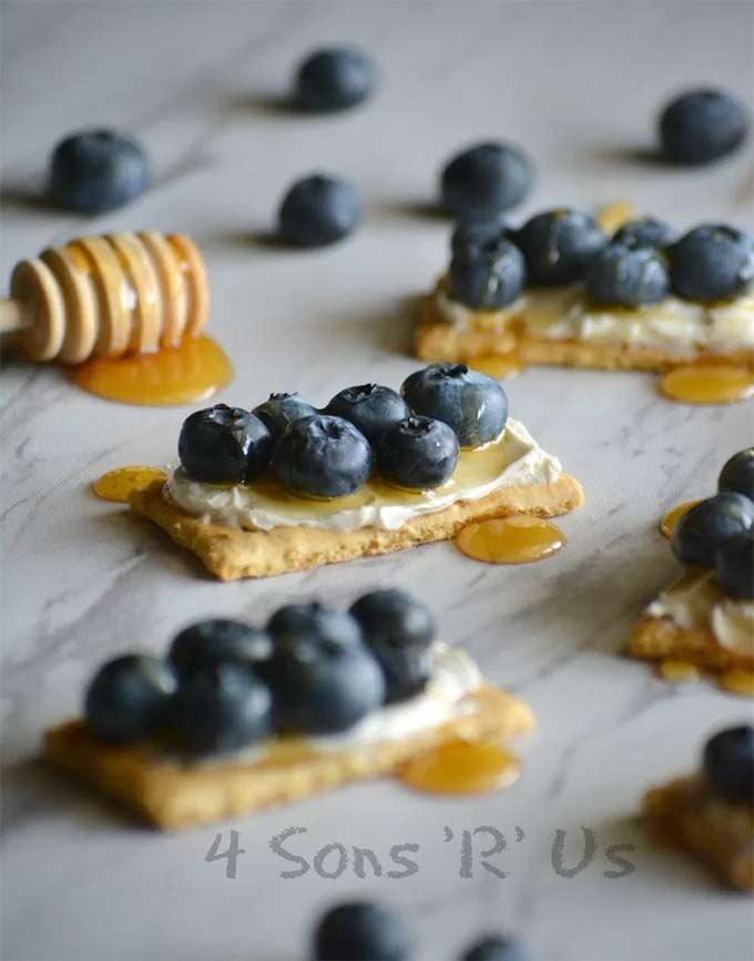 Blueberry cheesecake snack bites - by 4 Sons R Us