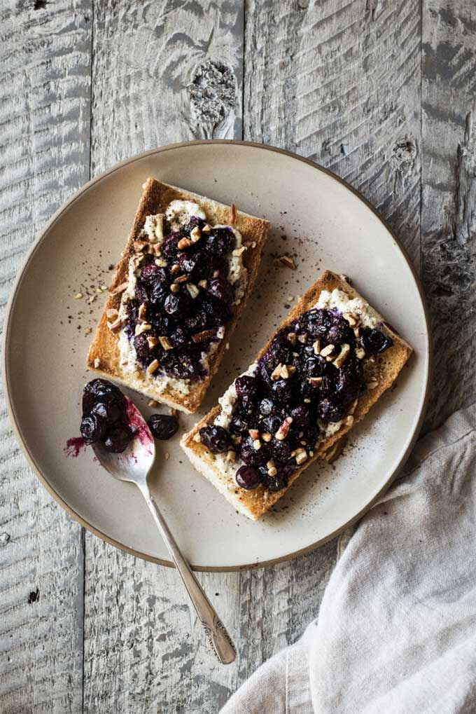 Blueberry crostini with za'atar honey and walnuts by Dishing up the dirt