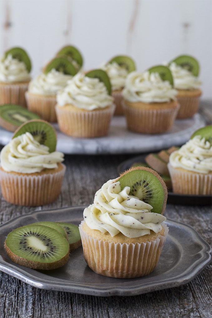 Vanilla cupcakes with kiwi buttercream frosting - by The First Year