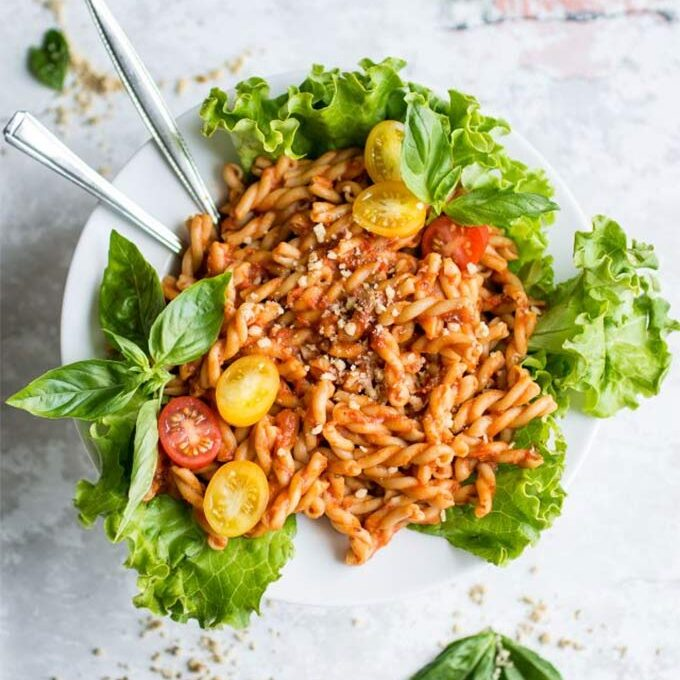 Bell pepper recipes in season: Roasted red pepper and tomato pasta by Lauren Caris Cooks