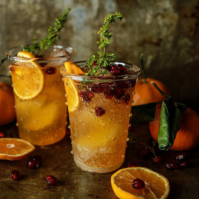 Clementine cocktail with thyme. Recipe by Heather Christo.