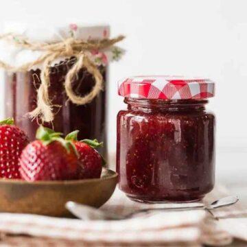 Vanilla strawberry jam by Nutmeg Nanny