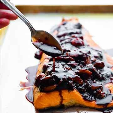 Grilled salmon with strawberry balsamic reduction by Sweet Peas and Saffron