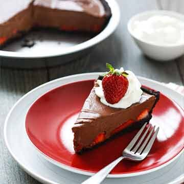 Strawberry chocolate oasis pie by Love and Olive Oil