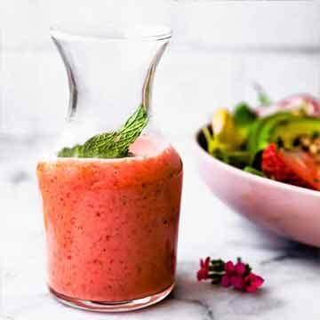 Strawberry mint vinaigrette recipe by Cotter Crunch