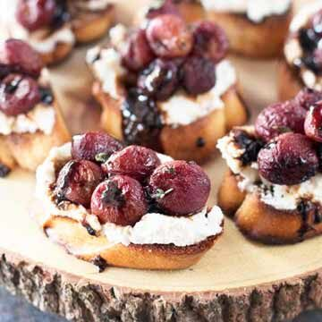 Roasted grape crostini with balsamic reduction recipe by Honest Cooking